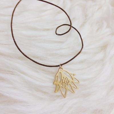 Tiny Lily Linen Necklace