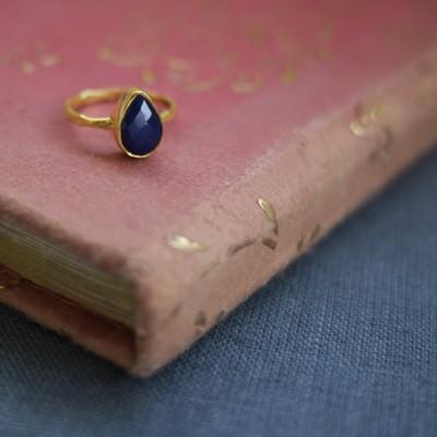 GEM RING: Pear Sapphire