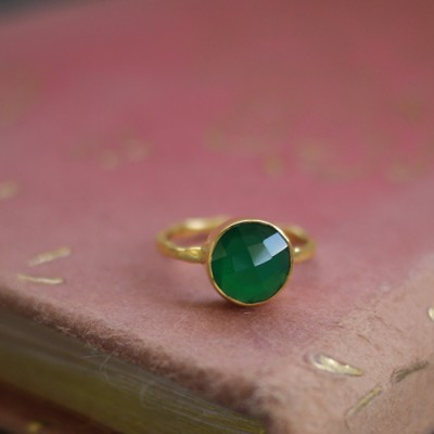GEM RING: Round Green Agate