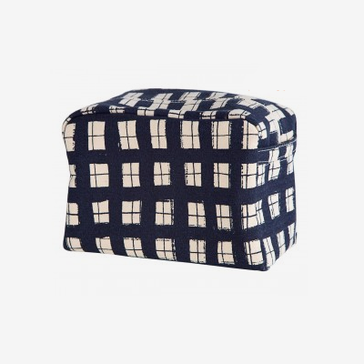 Hugo Essentials Bag: Lotta Jansdotter